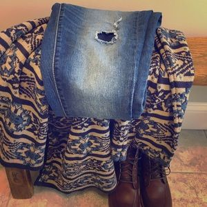Distressed High-waist Jeggings